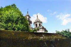 Punto di vista della parte superiore delle torri della chiesa di parrocchia di Sai Fotografia Stock Libera da Diritti