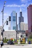 Punto di vista della plaza e di Willis Tower di CNA Fotografie Stock Libere da Diritti