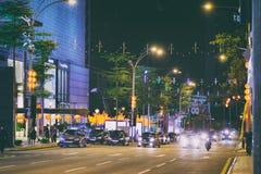 Punto di vista della via di notte di Kuala Lumpur City in Malesia fotografia stock libera da diritti