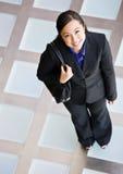 Punto di vista di alto angolo della donna di affari felice Fotografie Stock
