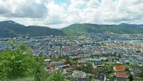 Punto di vista di Bergen Norway Aerial video d archivio
