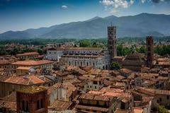 Punto di vista di Lucca e di Duomo di San Martino, Toscana, Italia Fotografia Stock