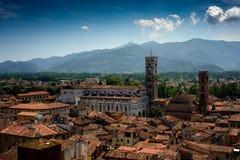 Punto di vista di Lucca e di Duomo di San Martino, Toscana, Italia Fotografie Stock