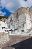 Punto di vista di Monte Sant ' Angelo. La Puglia. L'Italia. Fotografia Stock Libera da Diritti
