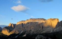 Punto di vista di Rocky Dolomite Alps al tramonto Fotografie Stock
