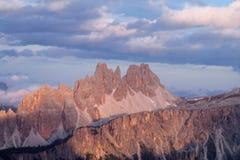 Punto di vista di Rocky Dolomite Alps al tramonto Fotografie Stock Libere da Diritti