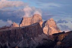Punto di vista di Rocky Dolomite Alps al tramonto Fotografia Stock Libera da Diritti