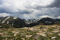 Punto di vista di Rocky Mountains dalla traccia Ridge immagine stock