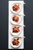 Punto di vista di Tuna Tataki Sushi Top Centered fotografia stock libera da diritti