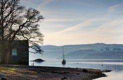 Boathouse sulla riva del lago Windermere Fotografia Stock Libera da Diritti