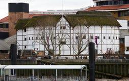 Punto di vista esterno del GlobeTheatre di Shakespeare Immagine Stock