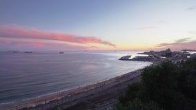 Punto di vista grandangolare di Balco del Mediterrani a Tarragona, Spagna, durante il periodo crepuscolare stock footage