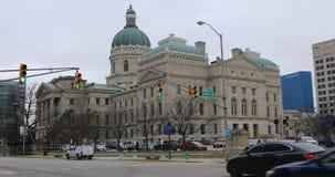 Punto di vista di Indiana State Capital Building, Indianapolis 4K archivi video