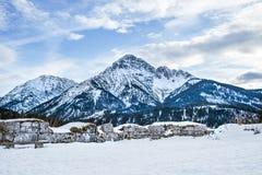 Punto di vista nel castello di Ehrenberg nelle alpi di Titol, Austria, obser Immagine Stock