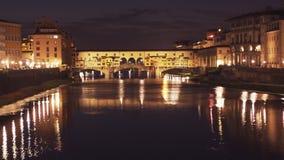 Punto di vista di notte del Ponte Del Vecchio, Firenze archivi video