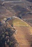Punto di vista panoramico del Val di Non (Trento, negativo per la stampa di cartamoneta Adige, Italia di Trentino) vicino a Cles Fotografia Stock