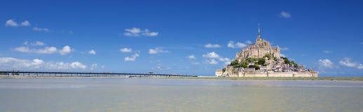 Punto di vista panoramico di Mont-San-Michel famoso fotografie stock