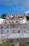 Punto di vista panoramico di Monte Sant ' Angelo. La Puglia. L'Italia. Immagine Stock Libera da Diritti