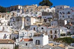 Punto di vista panoramico di Monte Sant ' Angelo. La Puglia. L'Italia. Fotografia Stock Libera da Diritti