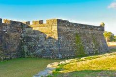 Punto di vista parziale di Castillo de San Marcos Fort nella costa storica di Florida fotografie stock libere da diritti