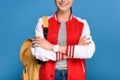 punto di vista parziale dello studente sorridente con lo zaino Fotografia Stock