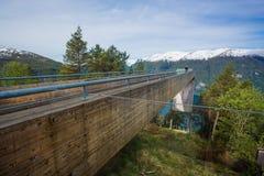 Punto di vista Plattform (allerta) - Stegastein, Norvegia Immagine Stock