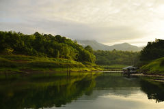 Punto di vista Pom pi. Parco nazionale di Khao Laem Fotografia Stock