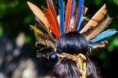 Punto di vista posteriore della donna in cappelleria creola tradizionale immagini stock libere da diritti
