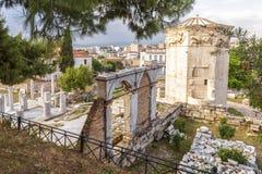 Punto di vista scenico di Roman Agora con la torre dei venti o di Aerides, Athen Fotografie Stock