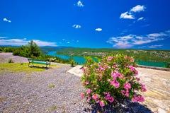 Punto di vista sulle scogliere del parco nazionale del fiume di Krka Immagine Stock Libera da Diritti