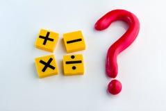 Punto interrogativo con il simbolo di per la matematica Immagini Stock