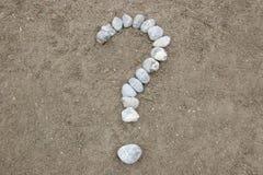 Punto interrogativo di pietra di simbolo Fotografia Stock Libera da Diritti