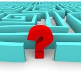 Punto interrogativo in labirinto blu Fotografia Stock Libera da Diritti