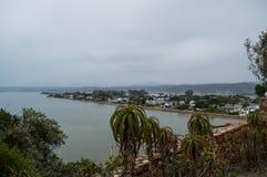 Punto panoramico con la vista di oceano, itinerario del giardino, la Provincia del Capo Occidentale di Knysna Fotografia Stock