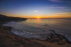 Punto plano de la roca después de la puesta del sol Fotografía de archivo