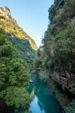 Punto scenico della tribù di Three Gorges lungo il fiume Chang Jiang fotografia stock