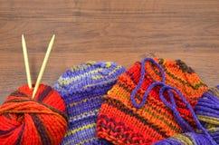 Punto y lanas Foto de archivo libre de regalías