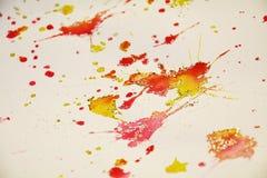 Puntos anaranjados rojos amarillos blancos plateados Fondo ceroso del invierno imágenes de archivo libres de regalías