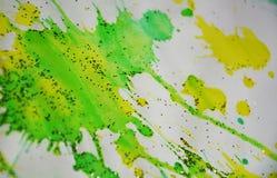 Puntos chispeantes coloridos borrosos del verde vivo, fondo ceroso, diseño creativo Imagenes de archivo