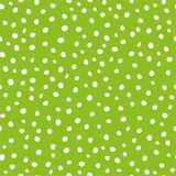 Puntos circulares exhaustos de la pintura de la mano blanca en diseño dispersado Modelo inconsútil del vector en fondo verde Gran stock de ilustración