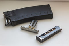 Puntos negros del rifle y de la pistola Fotografía de archivo