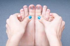 Puntura de la prensa de la yoga Fotografía de archivo libre de regalías