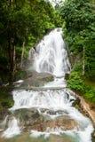 Punyaban瀑布 免版税图库摄影