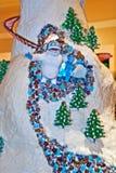 Pupazzo di neve abominabile del villaggio del pan di zenzero Fotografia Stock