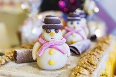 Pupazzo di neve della caramella del nougat Natale fotografie stock libere da diritti