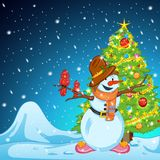 Pupazzo di neve durante il Natale santo Immagine Stock