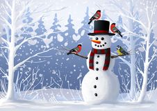 Pupazzo di neve ed uccelli nell'illustrazione innevata di inverno del ciuffolotto e del capezzolo della foresta Natale e vacanze  Immagini Stock