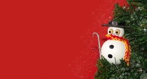 Pupazzo di neve scintillare sull'albero di Natale Immagine Stock Libera da Diritti