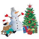 Pupazzo di neve sorridente con i regali e l'albero di Natale, illustrazione di vettore Immagini Stock