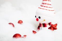 Pupazzo di neve sorridente con la decorazione di natale Immagini Stock